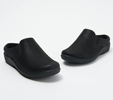 CLOUDSTEPPERS by Clarks Slip On Clogs Sillian Wild Black