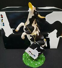 New ListingCow Parade Daisy's Dream 2001 Dairy Cow Black/White Catching Frisbee Item 9131