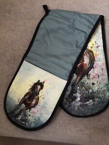 Double Oven Gloves With  Horse By Dollyhotdogs With Hanging  Tab