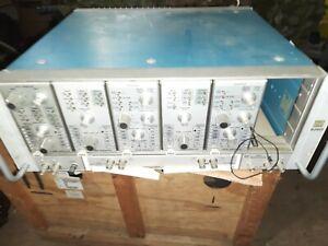 Tektronix oscilloscope Mainframe 2601