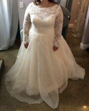 BRAND NEW NEVER WORN - Wedding Dress