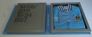 Manchester City The FA Cup Winners 2011 Mercer Jacket Limited Edition COA
