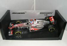 Coche de Fórmula 1 de automodelismo y aeromodelismo MINICHAMPS color principal plata