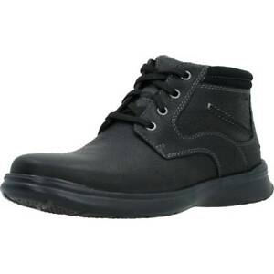 Clarks 'Cotrell Rise' Men's Black Cushioned Oiled Leather Chukka Boots G Fit