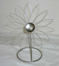 Umbra Flower Holder for Postcards Photos Paper Ephemera Standing Daisy in Silver