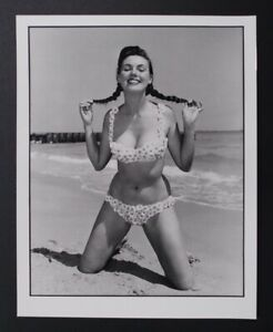 Original Bunny Yeager Photo-sexy pinup girl Bunny Yeager-cheesecake 8x10