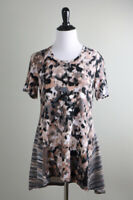 LOGO LOUNGE Lori Goldstein Mixed Print Stretch Quality Tee Top Size XS