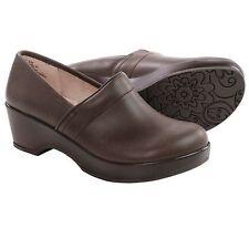 New JBU by Jambu Cordoba Leather Clogs  women's size 9