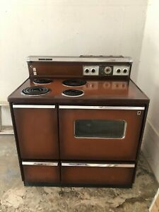"""Vintage 1960s GE 40"""" electric stove"""