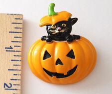 Black Cat in Halloween Pumpkin ~ Jack-O-Lantern ~ Pin / Brooch in Gold-tone