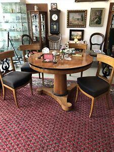 Biedermeier Sitzgruppe / Tisch mit 4 Stühlen
