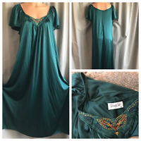 70's Vanity Fair Nightgown Forest Green Nylon Pillow Embroidery Long Gown M/M