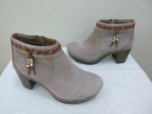DANSKO DABNEY 8.5 9 39 Taupe Tassel Leather Staple Zip Ankle Booties Heels Clogs