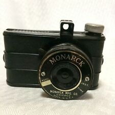 MONARCK Mini Camera Bakelite Plastic Body Chicago Cluster 1940s Untested