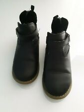 Old Navy little girls black ankle boots. Size 10. Guc �Preowned