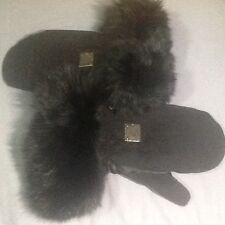 A Brand New Christian Dior woman winter gloves w/ Fox fur, size 7.5