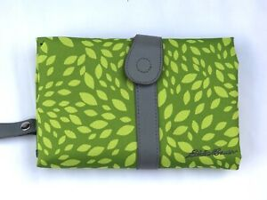 Eddie Bauer Changing baby pad bathroom portable travel green folding compact