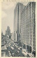 NEW YORK CITY – 6th Avenue, Rockefeller Center and Radio City Music Hall