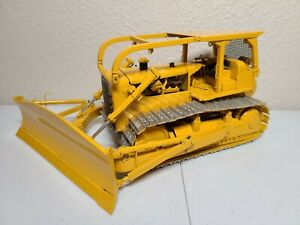 Caterpillar Cat D8H Dozer with Winch - Sherwood Models 1:25 Scale - 50 Made!