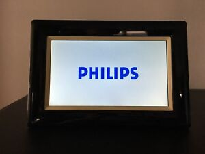 """Philips 7FF3FPB/27 7"""" Black digital photo frame 7"""" LCD With 2GB SD Card"""
