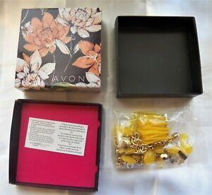 Avon Pretty Petals Necklace #jewelry #fashion #necklace
