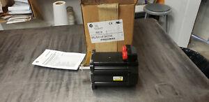 Allen Bradley MPL-B4530F-SK22AA Servo Motor.  s/n: 16784535  NEW IN BOX