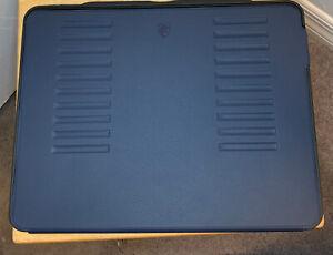 Zugu Case ZG-M-1118NB iPad Pro 2018 Protective Case - Blue