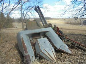 Vintage New Idea 311 2 row Corn picker