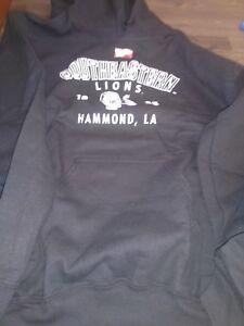 NCAA Southeastern Louisiana Lions Woman Hooded Sweatshirt Size Small