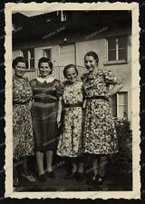 Foto-Stuttgart-Gebäude-Architektur-Frauen-Kleid-Cute-Women-Dress-1930er Jahre-3