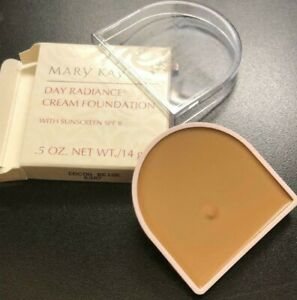 Mary Kay COCOA BEIGE # 6307 Day Radiance Cream Foundation NEW IN BOX