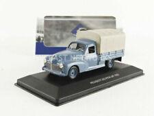 Véhicules miniatures bleus Peugeot 1:43