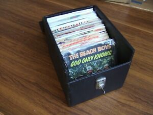 NICE COLLECTION OF 76 x 50/60s SINGLES IN CARRY CASE/KEY -BEATLES,THE WHO,B.BOYS