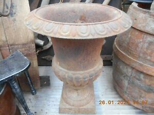 An impressive cast iron, classical influence Victorian style urn, 42cm x 32cm