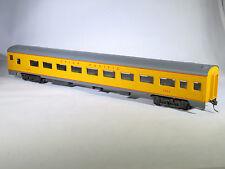 HO AHM 6404 UNION PACIFIC 1935 85' Coach Passenger Car UP 2004 KD Couplers IOB