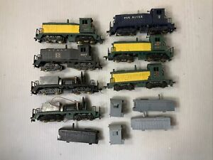 C122- Mixed Lot Of HO Scale Lindbergh Line Locomotive Parts, As Is