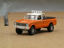dcp/greenlight Custom 1972 orange Chevy 4x4 pick up truck 1/64.