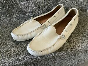 Ecco Ladies White Moccasin Style Shoes Size 40(7) Extra Width Top Condition