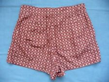 Marc Jacobs 10 Shorts Pleated Front Florals Made in Italy 100% Silk High Fashion