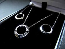 WHITE GOLD 10PT DIAMOND CIRCLE PENDANT WITH TRACE CHAIN AND EARRING SET 2.3g