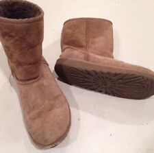 Girl's 3 Brown Uggs Boots