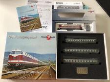 Tillig Regierungszug 02696 (118 552-9) & 01722 Reisezugwagenset