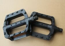 Wellgo plastic DU MTB Mountain Road XC Bike Pedals flat Pedal w/ reflector Black