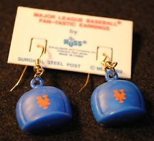 1989 DATED NEW YORK METS MLB BASEBALL EARRINGS UNUSED MINT CONDITION ON CARD