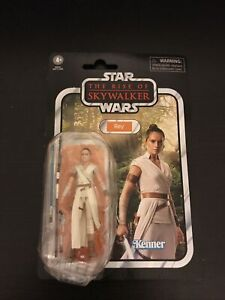 StarWars Vintage Collection Rey VC156 The Rise Of Skywalker 3.75 Damaged Bubble