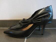 Valentino Garavani Pumps Größe 39 neu + ungetragen mit bag in schwarz  +Schleife