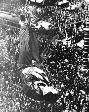 HARRY HOUDINI HANGS FROM SAN FRANCISCO IN STRAIGHT JACKET 8X10 PHOTO 1923