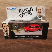 CORGI 00802 FAWLTY TOWERS RED AUSTIN 1300 DIECAST MODEL CAR + JOHN CLEESE FIGURE