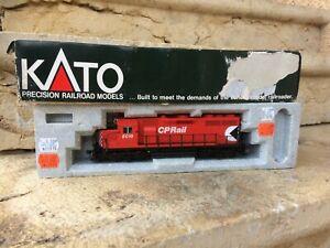 Locomotive Diesel KATO HO 37-045 Canadian Pacific EMD GP35 phase 1b ref : #5019