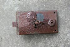 Serrure ancienne en fer forgé. XXe siècle